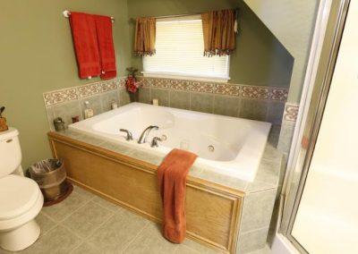 whirlpool-tub